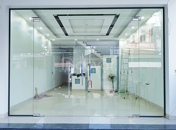 Cơ sở sản xuất kính cường lực giá rẻ tại Tân Bình