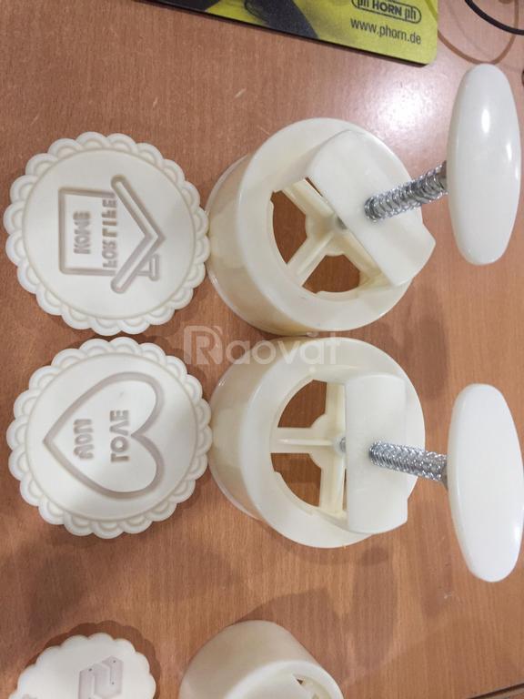 Sản xuất khuôn bánh trung thu lò xo có logo theo yêu cầu