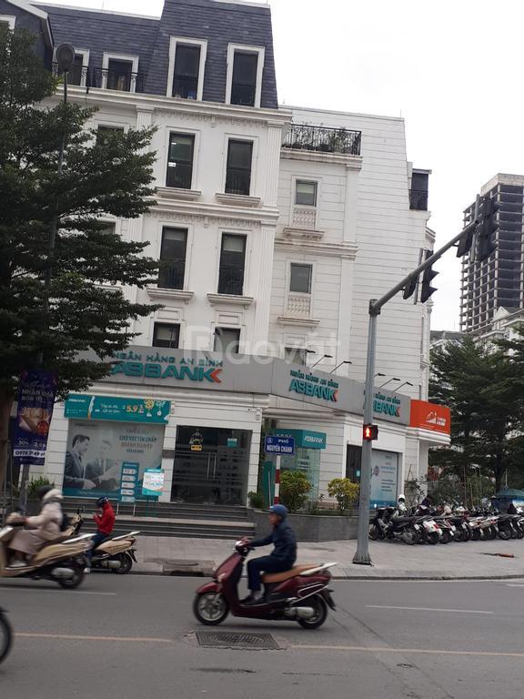 Cần bán gấp Shophouse kinh doanh tốt, ngã 4 Mạc Thái Tổ, Nguyễn Chánh