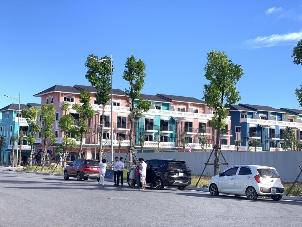 Shophouse 3 mặt tiền sở hữu lâu dài xây 6 tầng hỗ trợ vay lãi suất 0%