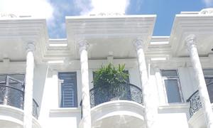 Nhà Dĩ An 1 trệt 2 lầu, sổ hồng công chứng ký sang tên ngay