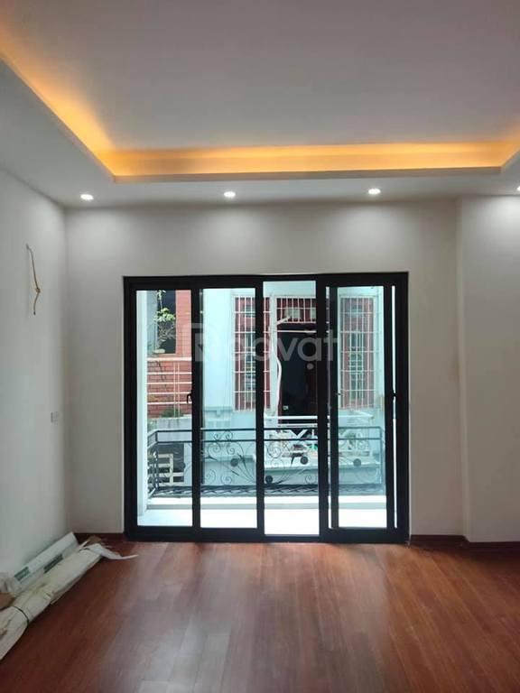 Bán nhà mới, lô góc, DT 31m2 x 5T, MT 3,9m, ngõ Gốc Đề, Hoàng Mai