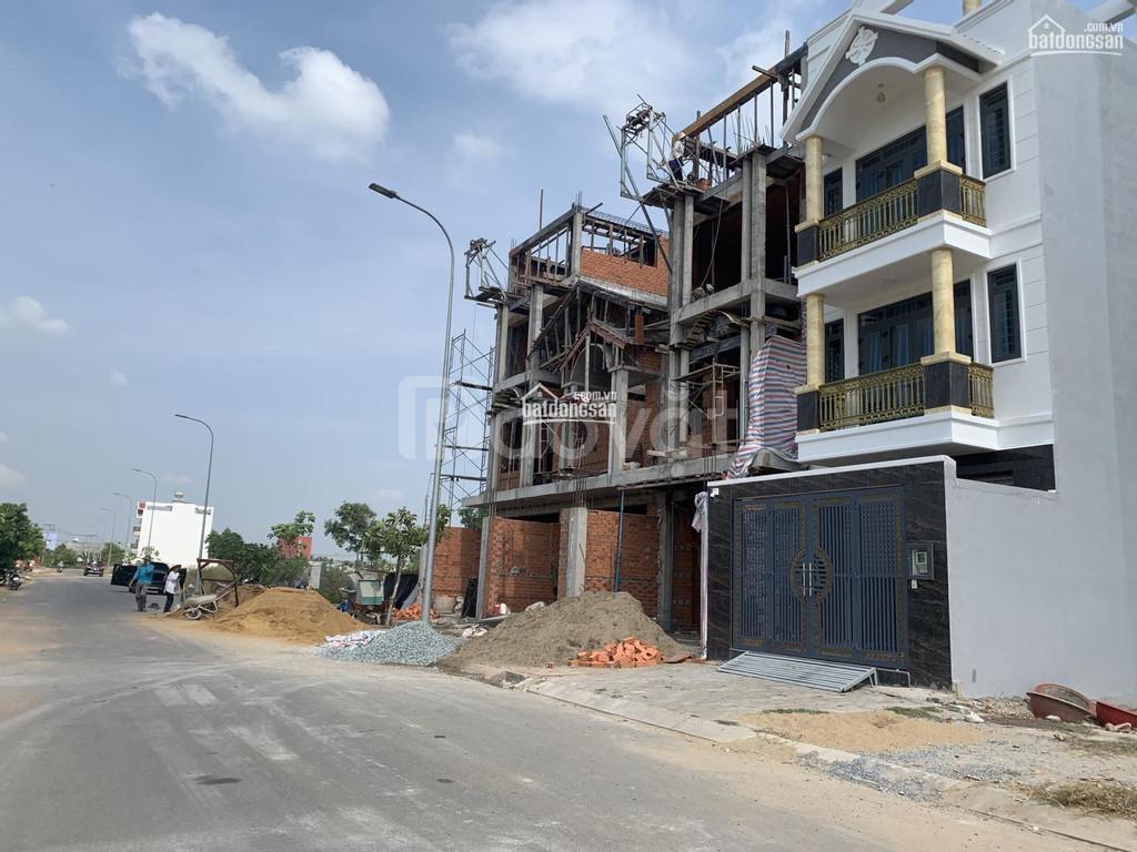 Bán lại 3 nền đất, đối diện UBND Phạm Văn Hai, khu vực dân cư đông