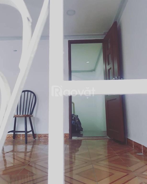 Nhà hxh 5m số 38/ Trần Khắc Chân, Tân Định, DT: 6x8, 3 tầng, 6PN