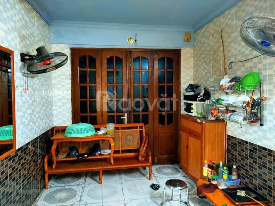 Bán nhà lô góc, 3 mặt thoáng, DT 50m2 T2, ô tô 10m, Trương Định
