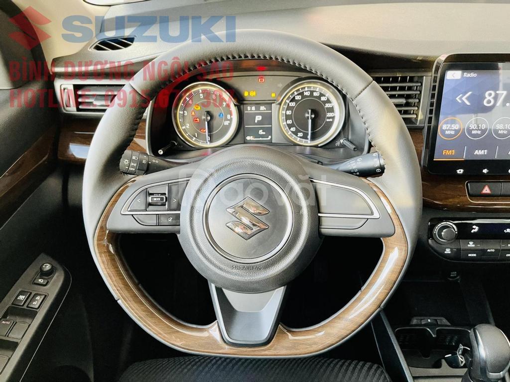 Cần bán Suzuki Ertiga SPORT năm sản xuất 2021