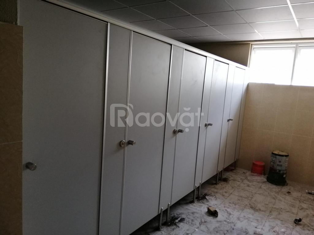 Thi công lắp đặt trọn gói vách ngăn nhà vệ sinh