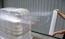 Màng chít, màng PE quấn công nghiệp KT 50cm x 2.3 kg, lõi 0.3kg