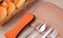 Bộ dụng cụ ăn bằng inox tiện lợi