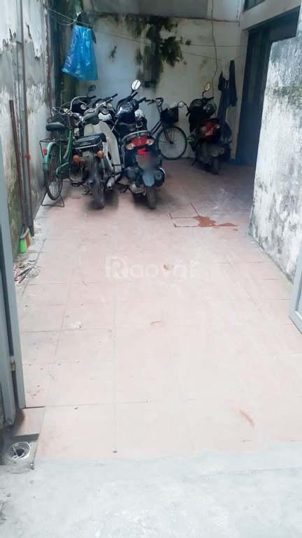 Cho thuê nhà gần Bách Kinh xây rẻ điện nước khép kín giá nhà nước