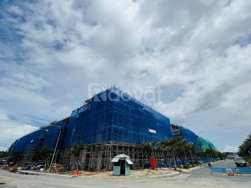 Bán shophouse trong khu đô thị Meyhomes Capital, Phú Quốc, giá rẻ