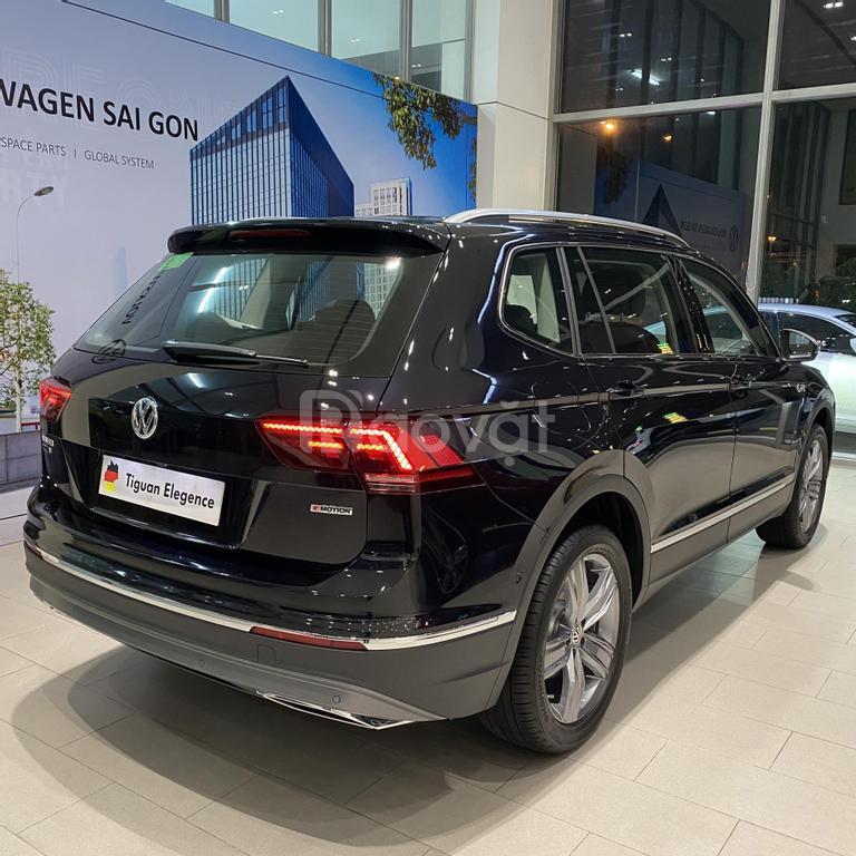 VW Tiguan 2021 SUV đô thị bán chạy Châu Âu giá tốt mùa covid