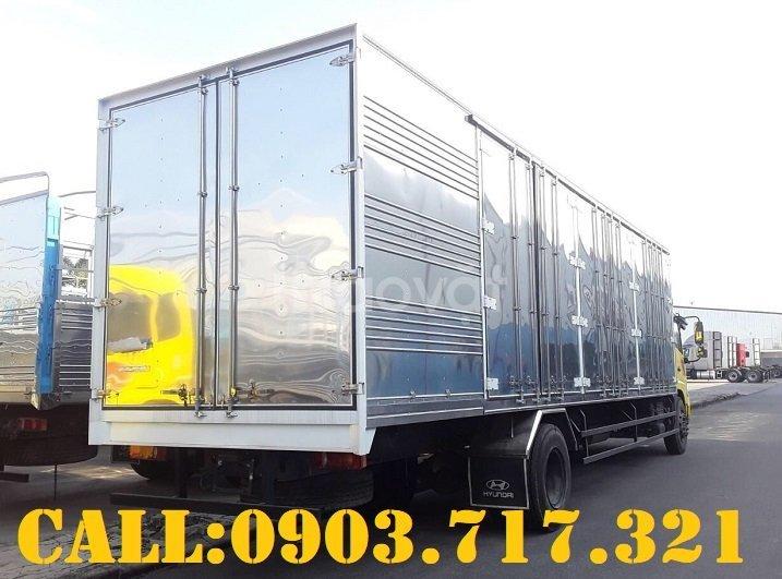 Xe tải Dongfeng B180 thùng kín dài 9m7 mở 3 cửa hông