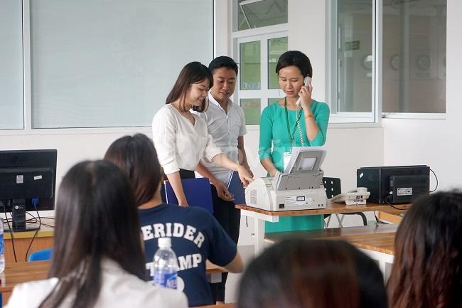 Tổ chức lớp quản trị văn phòng và công tác văn thư lưu trữ