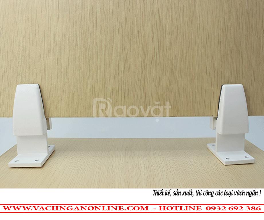 Kẹp kính vách ngăn mặt bàn làm việc mẫu 02, chân T