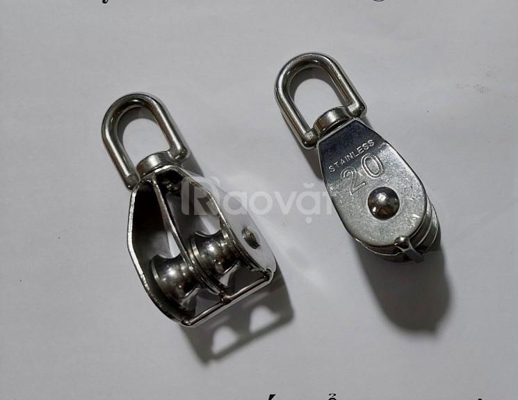 Móc cẩu inox 304 tải trọng 200,300,500 kg, puly đôi inox D20