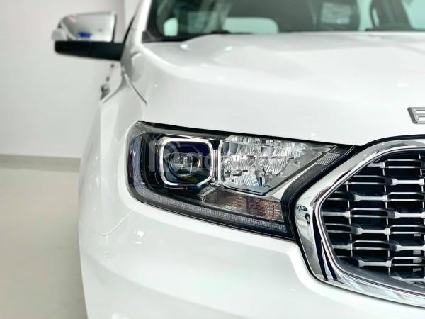 Bán Ford Everest New, giá ưu đãi khủng, có sẵn giao ngay