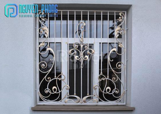 Top 10 mẫu song cửa sổ, khung bảo vệ cửa sổ sắt uốn đẹp với giá tốt