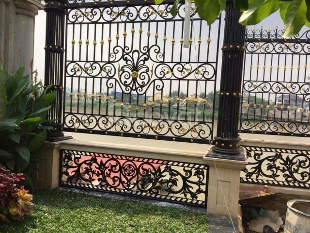 Đơn vị sản xuất uy tín mẫu hàng rào sắt mỹ thuật đẹp cho biệt thự