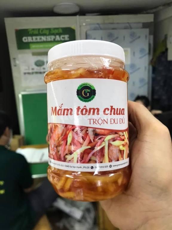 Mắm tôm chua trộn đu đủ