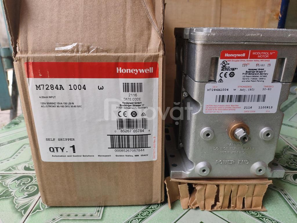 Bộ điều khiển M7284A1004  Honeywell  công ty Hoàng Anh Phương