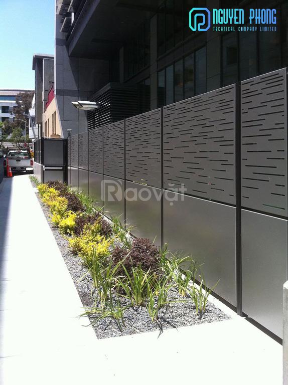 Mẫu tường rào biệt thự, hàng rào sắt CNC sơn tĩnh điện bền, đẹp