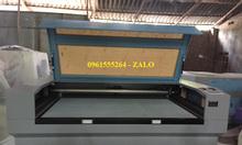 Máy laser CO2 1810 cắt vải