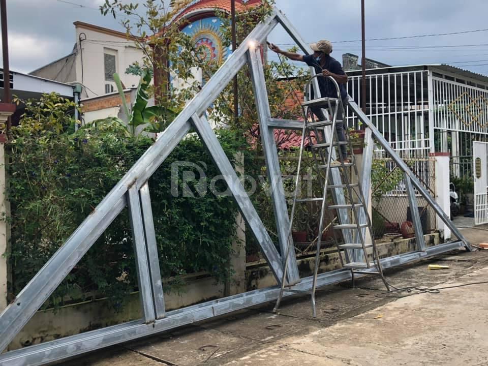 Cửa sắt, khung kèo sắt cho nhà mái thái
