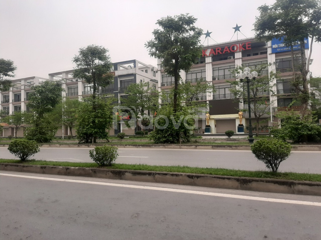 Bán shophouse hai mặt đường Trần Hữu Dực, hiện đang thuê