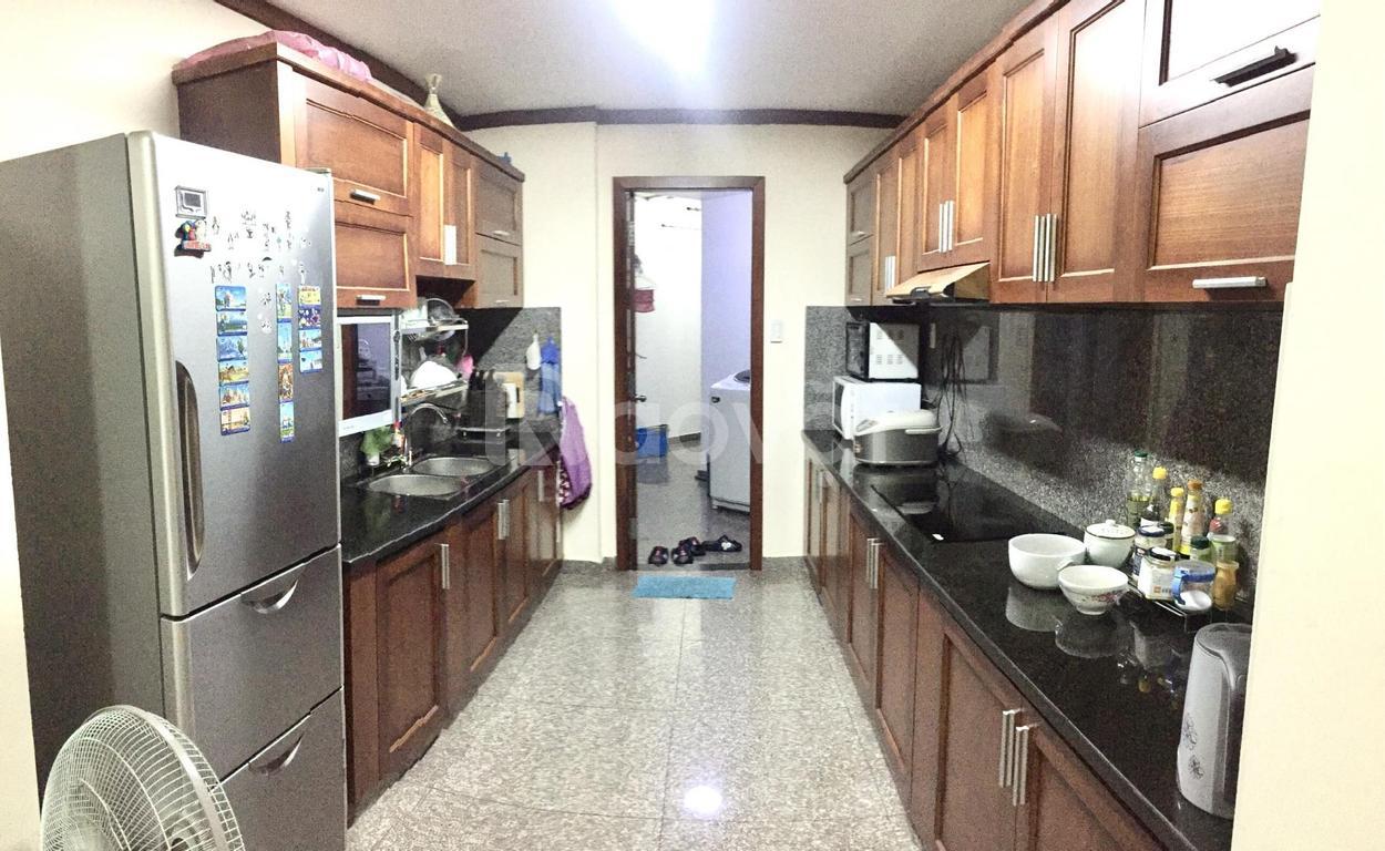 Chính chủ Bán căn hộ L8, DT:150m2, P.Tân Hưng, Q7, HCMC