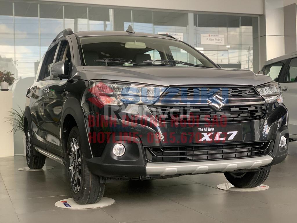 Suzuki XL7 Mayback giá mùa dịch quà tặng lên đến 50 triệu đồng