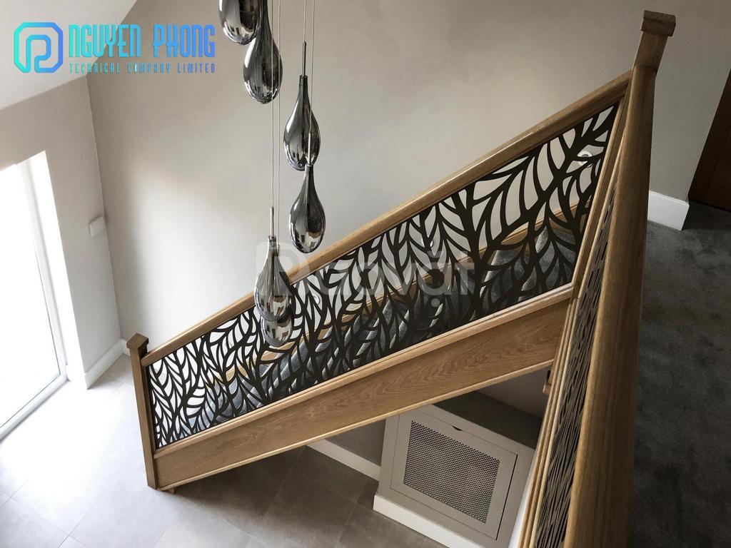 Để lại ấn tượng sâu sắc với những mẫu cầu thang sắt CNC đẹp