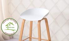 Ghế quầy bar chân sắt sơn giả gỗ