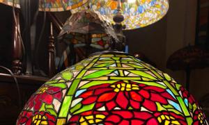 Đèn tiffany hai thân hoa trạng nguyên