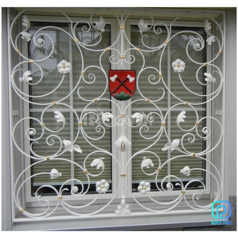 Những lợi ích của khung sắt bảo vệ cửa sổ mà bạn ít khi để ý đến