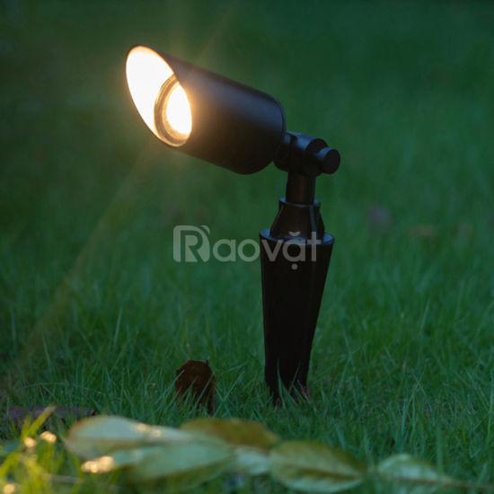 Bộ đèn cắm cỏ sân vườn LED MEGAMAN chống thấm IP66