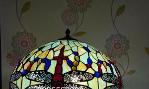 Giao lưu em đèn bàn hoạ tiết chuồn chuồn xanh ngọc bích