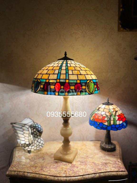 Đèn bàn tiffany hàng Âu thiết kế phục hưng