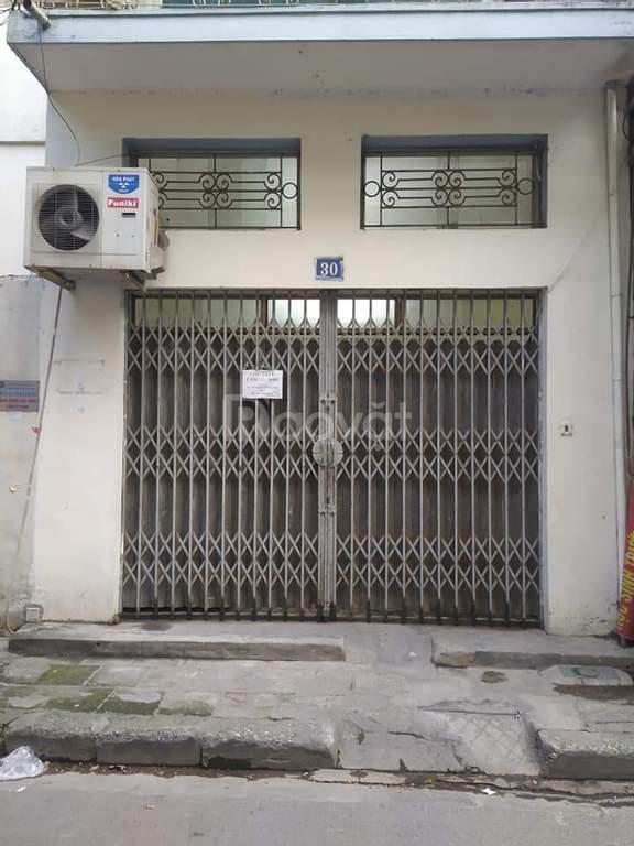 Cho thuê tầng 1, diện tích 36m2 tại ngõ 15 Phương Mai, Đống Đa, Hà nội