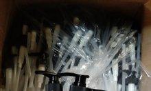 Chuyên phân phối chai nhựa, các loại van xịt, vòi nhấn, nắp dùng