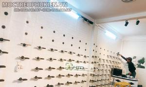 Giá kệ trưng bày giày dép shop thời trang năng động 2021