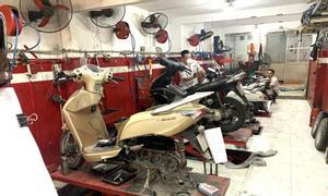 Trung tâm xe máy Honda Hùng Cường cần tuyển gấp 10 thợ sửa chữa xe máy
