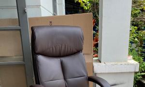 5 mẫu ghế văn phòng với thiết kế tối giản cho phòng làm việc