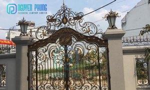 Mẫu cổng sắt mỹ thuật bán chạy cho biệt thự, nhà phố