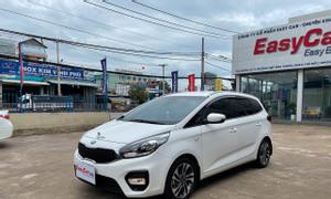 Bán xe Kia Rondo G MT, đời 2020, màu trắng